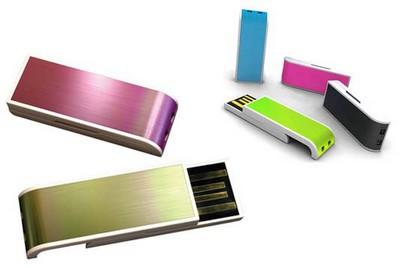 cadeau entreprise : clés USB rétractables